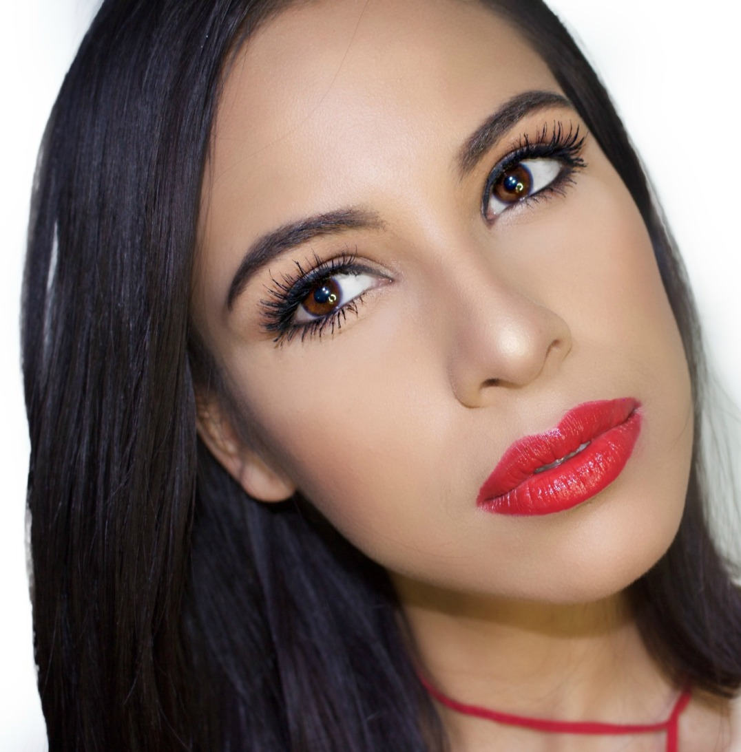 Classic Red Lip Tutorial- Inspired in New Face of Revlon Alejandra ...